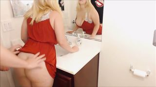 Порно С Молодой Блондинкой В Ванной Комнате