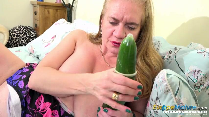 Женщина Удовлетворяет Себя Мастурбацией
